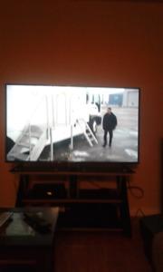 Téléviseur écran plat 60 pcs