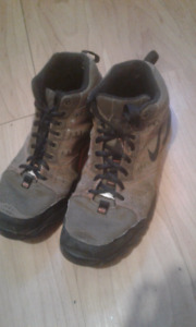 Nike combat boots size 11