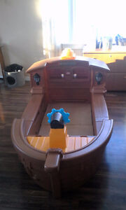 ***PRICE REDUCED*** LITTLE TIKES PIRATE BED