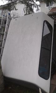 White box cover from a 95 Dodge Dakota