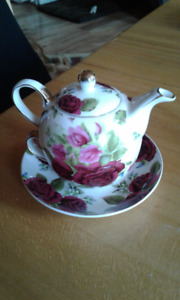 Adeline Tea for One