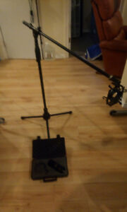 MXL microphone and stand