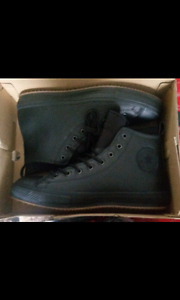 I'm selling Chuck Taylor All Star shoes