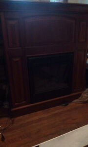 Fireplace mantle excellent condition