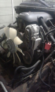 PARTING OUT 2004 CHEVY Silverado TRUCK 1500 5.3L 4X4