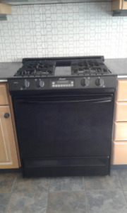 "Amana 30"" 4-Burner Gas Range, Black"
