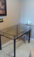 kitchen/dining glass table