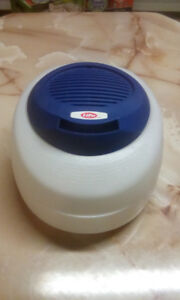LIFE BRAND COOL MIST HUMIDIFIER. WORKS PERFECTLY AND CLEAN