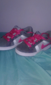 BRAND NEW NEVER WORN BEFORE NIKE SHOES
