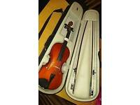 Violin fiddle 4/4 with bows and case