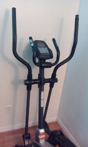 Weslo Momentum CT6.2 Elliptical Trainer