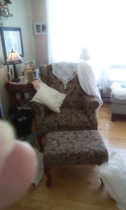 Beautiful.    Wing back.     Living room chair..