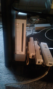 White Wii with games