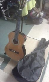 Mid size guitar