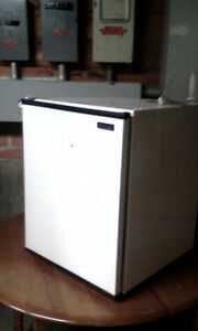 mini fridge....good shape