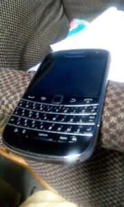 Mint in condition BlackBerry bold 9900