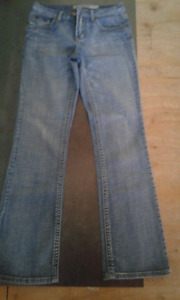 Ladies Lois Bianca blue jeans size 28