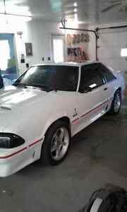 Looking to trade!! Cobra r rims and rear window louver!!!!