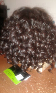 WIG NEW, LACE FRONT NEVER WORN STILL WITH TAG/ADJUSTABLE