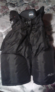 Jr large Bauer one 55 hockey pants