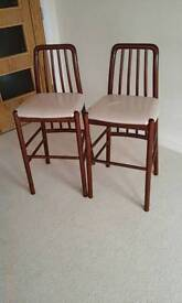 Pair of breakfast bar stools/chairs