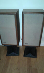 Vintage Advent A3 speakers