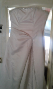 WEDDING DRESS FOR SALE. Now $75 OBO