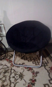 To folding Moon Chairs