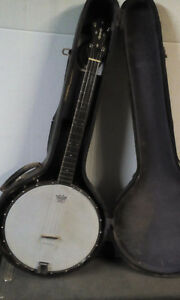 SS Stewert Bajoline  4 String  Universal Favorite 225  with case