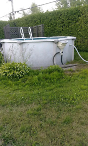 Piscine 12 pied REMIS A NEUF 1600$ INSTALATION complet