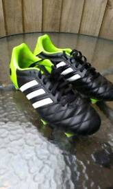 Football shoes size 6