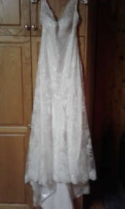 Essense of Australia D1688 Sheath Wedding Dress
