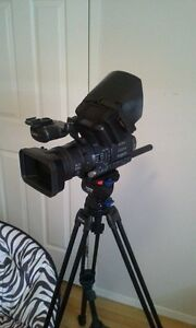 Sony HDR FX1 for sale.. Mint Condition... $800 FIRM