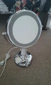 Beauty Magnify Light Up Make-up Mirror Taringa Brisbane South West Preview