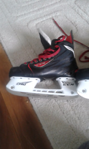 EPRO ccm prof-ormance stainless steal ice skates size 4