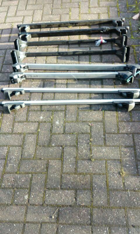 Vehicle roof racks