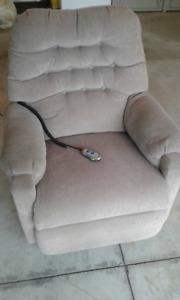 Automatic recliner chair