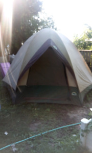 TENT , HEXAGON , 4 PERSONS .