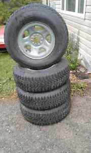 P235/75R15 Firestone Winterforce