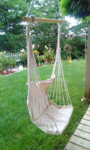 Outdoor patio swing