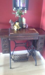 Early 1900 Singer Treadle Sewing machine