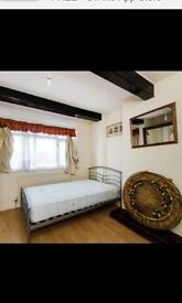 large double room available for single or couple or two friends.. big LIVING ROOM and big GARDEN