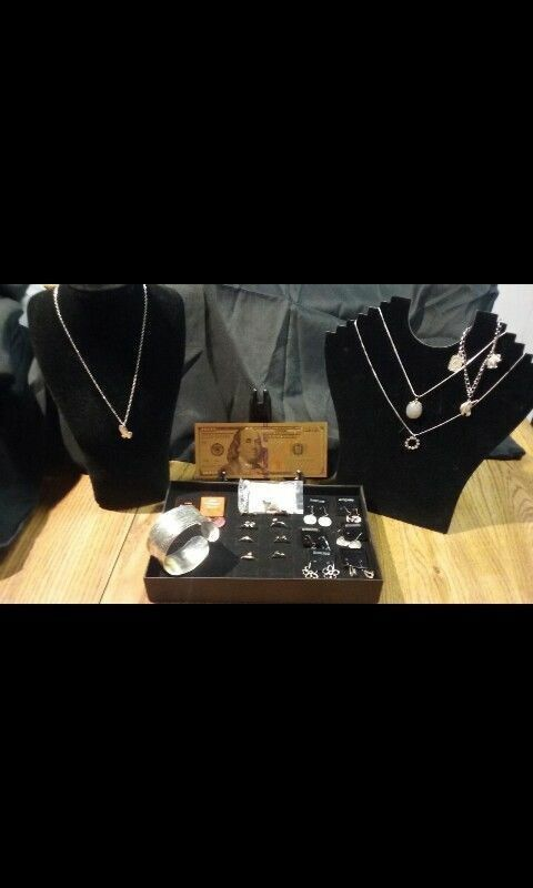 25PIECE☆JEWELRY-LOT☆SILVER BRACELET+NECKLACES+EARRINGS+RINGS+GOLD $100 BANKNOTE