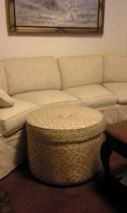 Antique ottoman. Gold/beige
