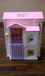 Barbie house and accessories $25