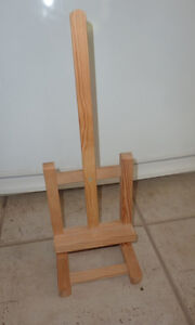SMALL wooden easel (for display) Kitchener / Waterloo Kitchener Area image 1