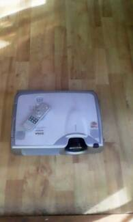 Hitachi projector. Good condition 2700 Lumens