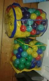 Ball pool with 200+ balls and inflatable Ball pool /paddling pool