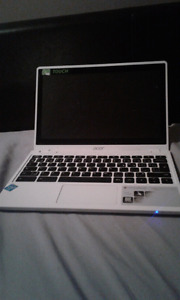 White acer chromebook c720p great condition