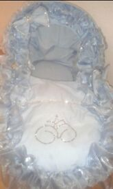 Baby boys gawjus moses basket with diamanté bows an boxin gloves